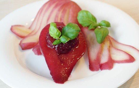 Вкусный грушевый десерт в вине - рецепт с фото